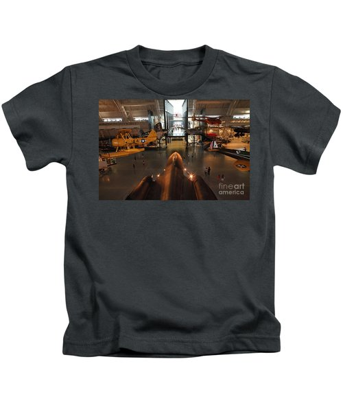 Sr71 Blackbird At The Udvar Hazy Air And Space Museum Kids T-Shirt