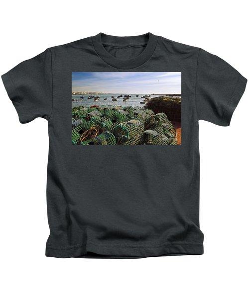 Fishing Traps Kids T-Shirt