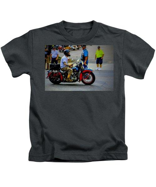 85 Arrives Kids T-Shirt