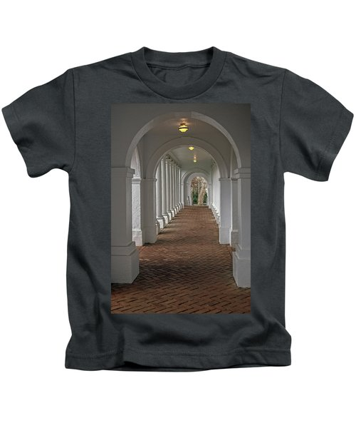 Arches At The Rotunda At University Of Va Kids T-Shirt