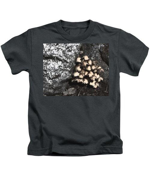 Between The Rocks Kids T-Shirt
