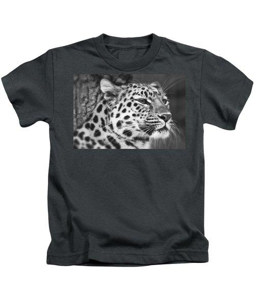 Black And White - Amur Leopard Portrait Kids T-Shirt