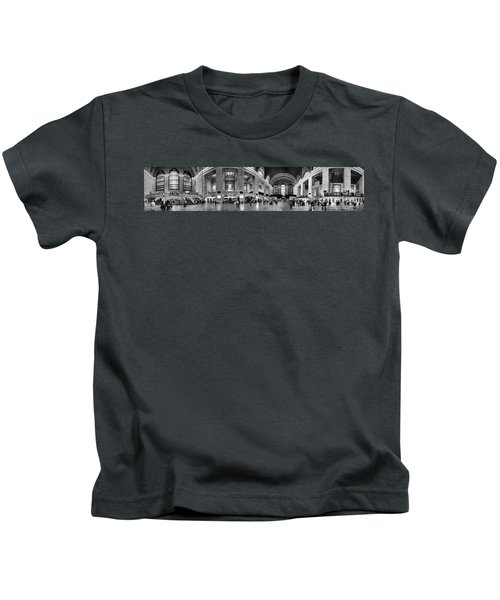 Black And White Pano Of Grand Central Station - Nyc Kids T-Shirt