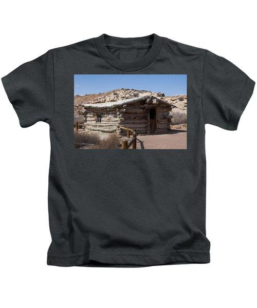 Cabin At Wolf Ranch Kids T-Shirt