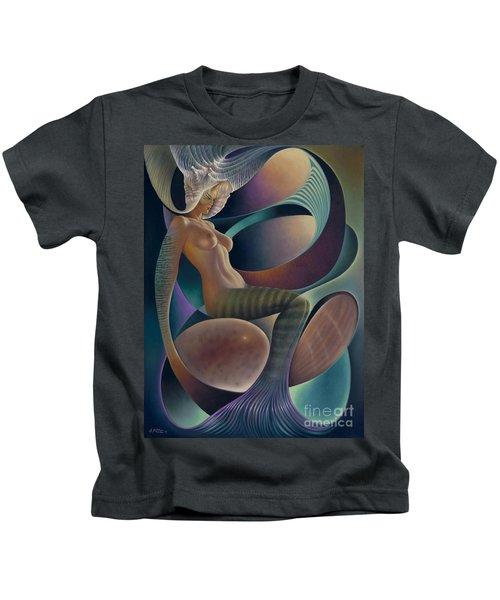 Dynamic Queen 6 Kids T-Shirt