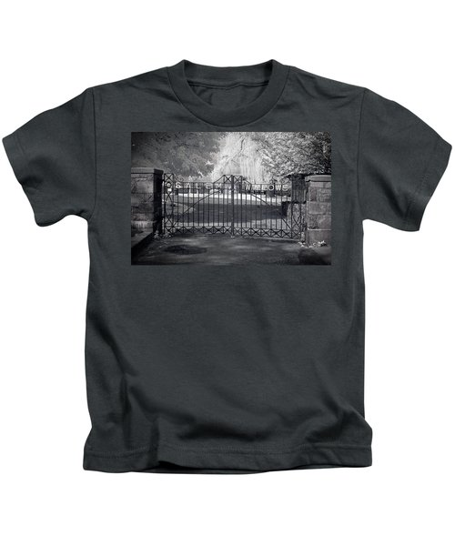 Entry To Salem Willows Kids T-Shirt