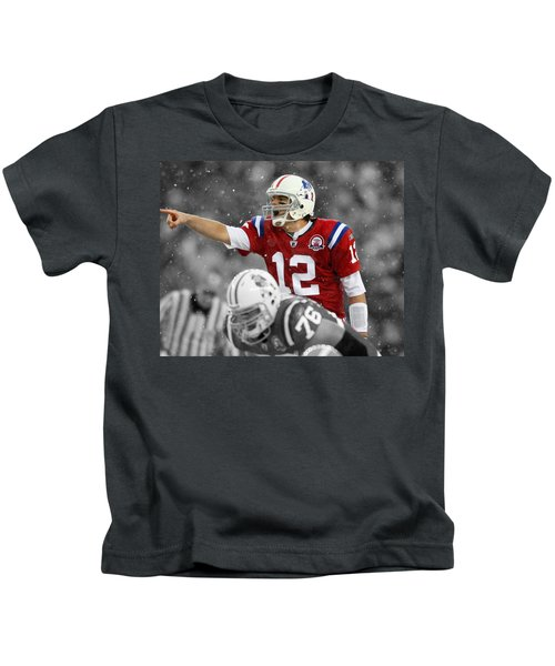 Field General Tom Brady  Kids T-Shirt by Brian Reaves