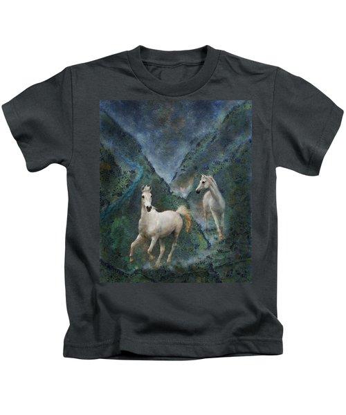 Green Canyon Run Kids T-Shirt