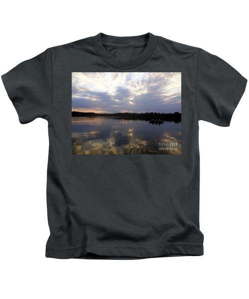 Heading Home On Lake Roosevelt In Outing Minnesota Kids T-Shirt