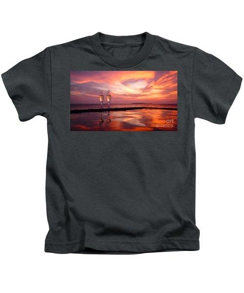 Honeymoon - A Heart In The Sky Kids T-Shirt