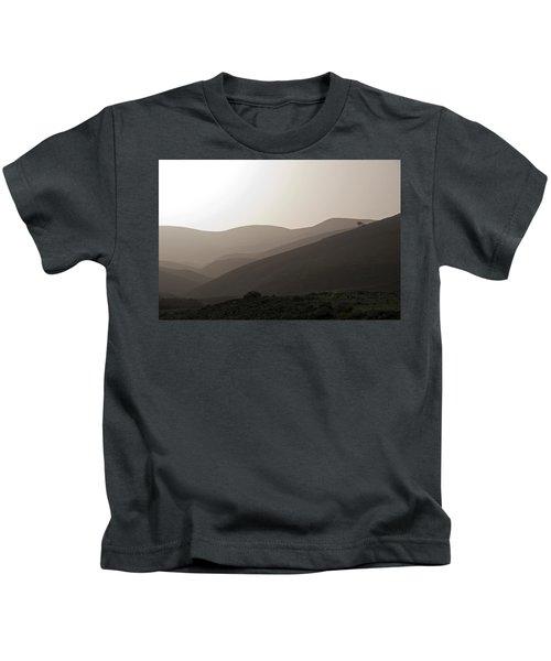 Into The Israel Desert - 1 Kids T-Shirt