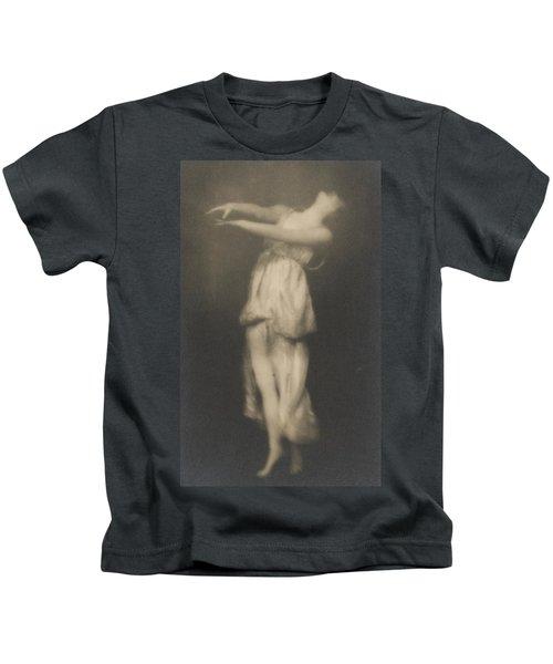Isadora Duncan   Dancer Kids T-Shirt