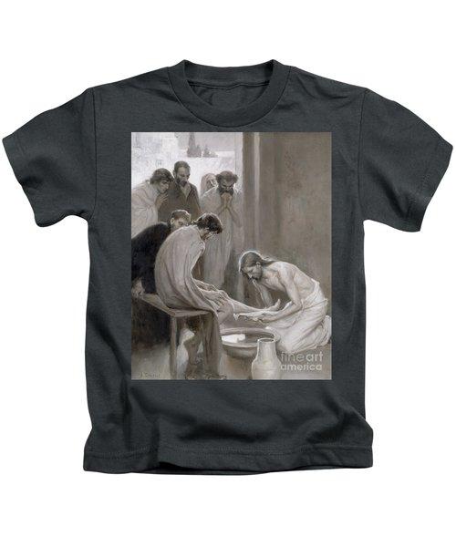 Jesus Washing The Feet Of His Disciples Kids T-Shirt