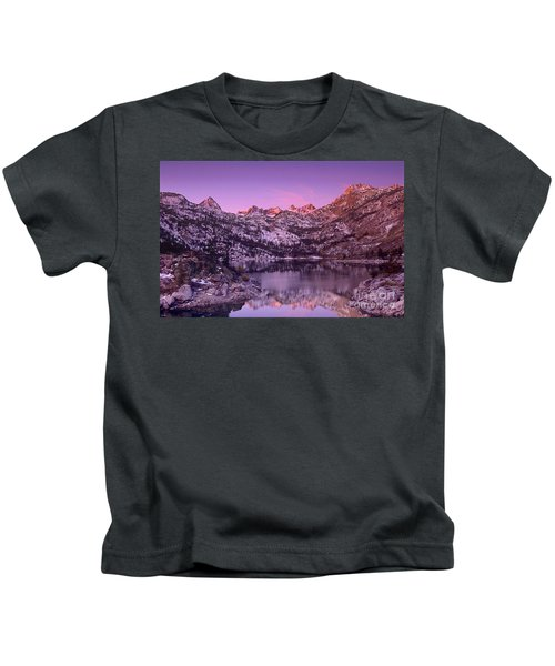 Lake Sabrina Sunrise Eastern Sierras California Kids T-Shirt