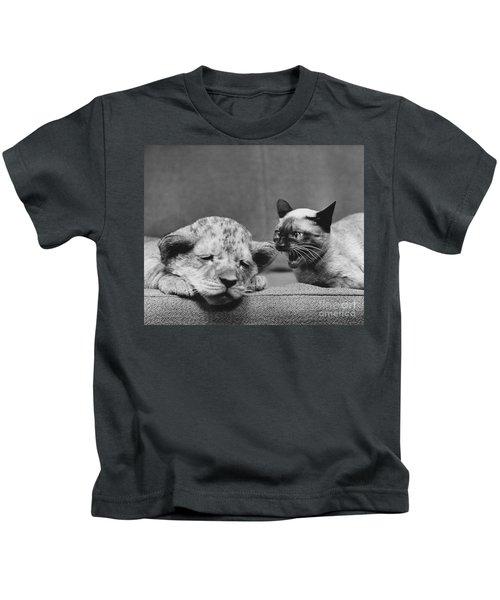 Lion Cub And Siamese Cat Kids T-Shirt