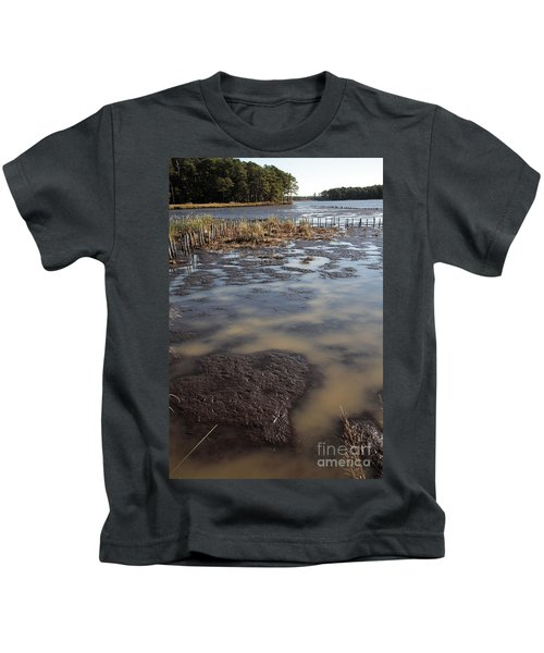 Low Tide At Blackwater Wildlife Refuge In Maryland Kids T-Shirt