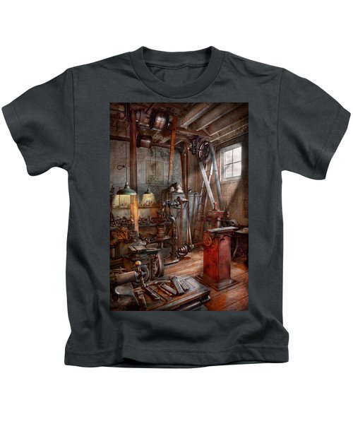 Machinist - The Modern Workshop  Kids T-Shirt