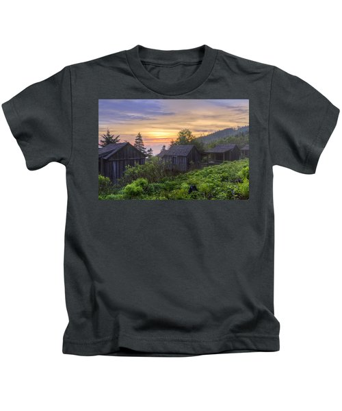 Misty Dawn At Mt Le Conte Kids T-Shirt