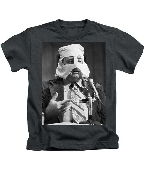 Mob Figure Testifies Kids T-Shirt
