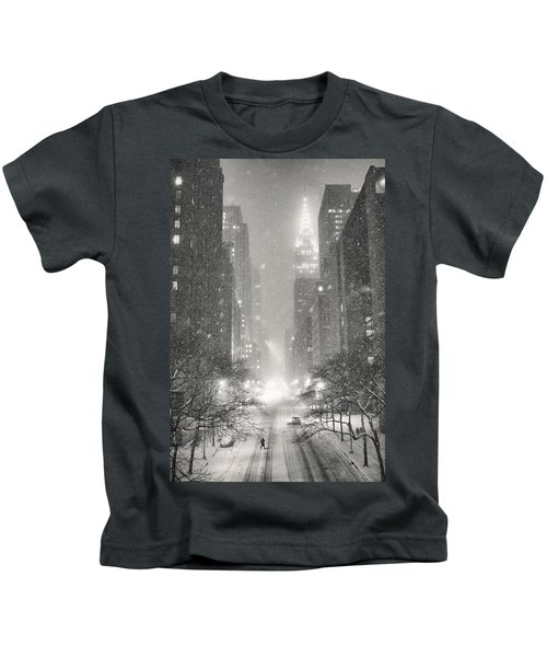 New York City - Winter Night Overlooking The Chrysler Building Kids T-Shirt