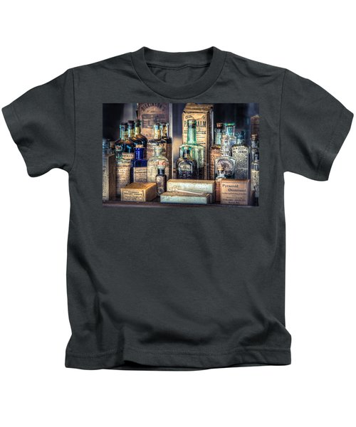 Ointments Tonics And Potions - A 19th Century Apothecary Kids T-Shirt