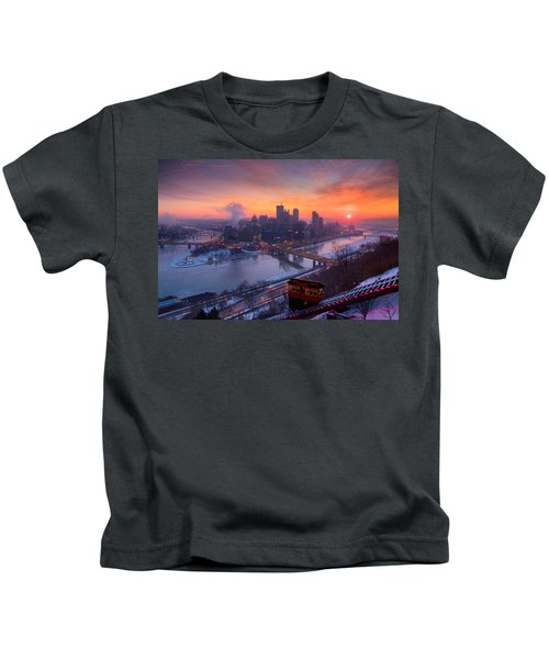 Pittsburgh Skyline Winter 2 Kids T-Shirt