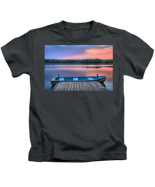 Poconos Lake Whitney Sunset Rowboat Kids T-Shirt