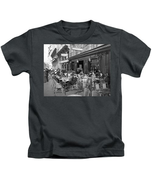 Sidwalk Cafe In Madrid Kids T-Shirt