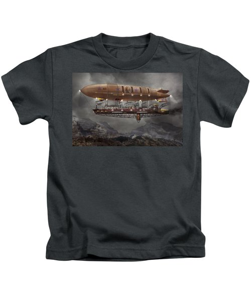 Steampunk - Blimp - Airship Maximus  Kids T-Shirt