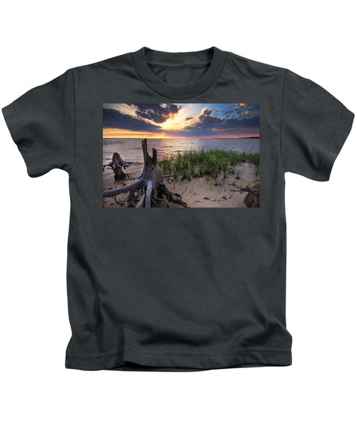 Stumps And Sunset On Oyster Bay Kids T-Shirt