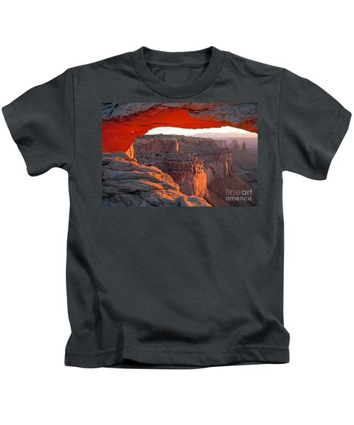 Sunrise Mesa Arch Canyonlands National Park Kids T-Shirt