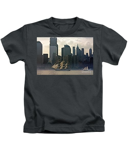 Tall Ship Sailing Past The New York Skyline Kids T-Shirt
