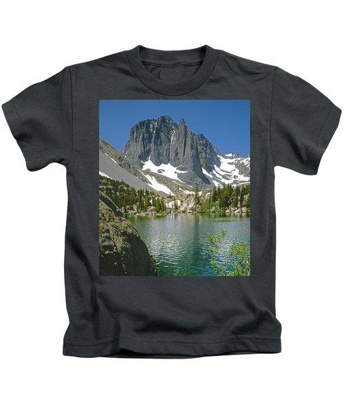 2m6437-temple Crag Kids T-Shirt