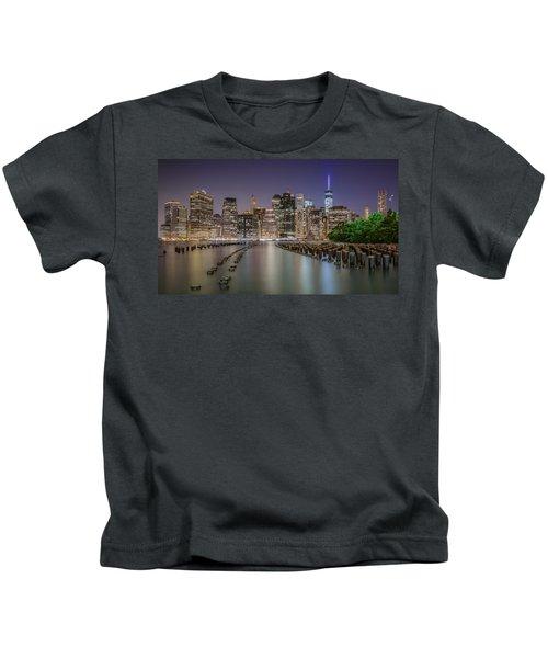The City That Never Sleeps 16 9 Aspect Kids T-Shirt