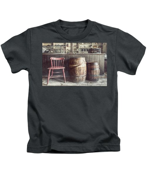 The Old General Store - Red Chair And Barrels In This 19th Century Store Kids T-Shirt