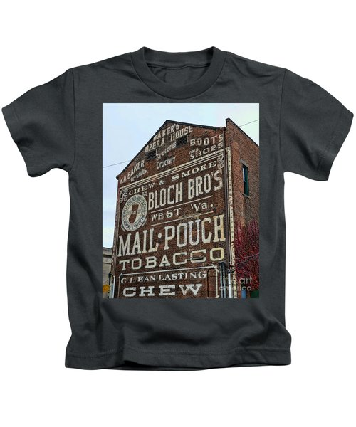 Tobacciana - Mail Pouch Tobacco Kids T-Shirt