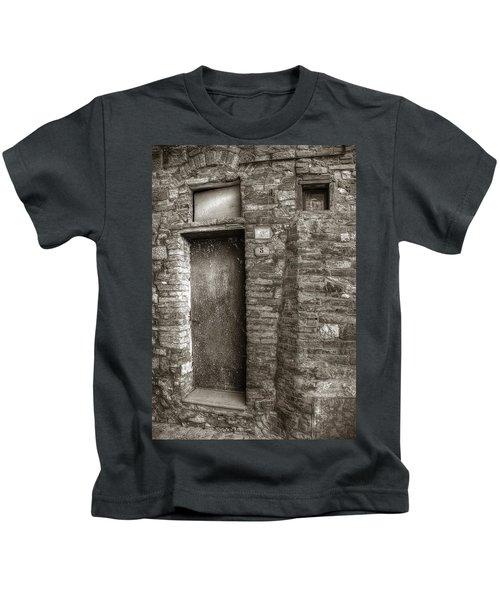 Tuscan Doorway Kids T-Shirt