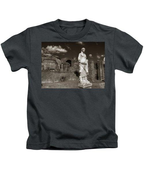Vestal Virgin Courtyard Statue Kids T-Shirt