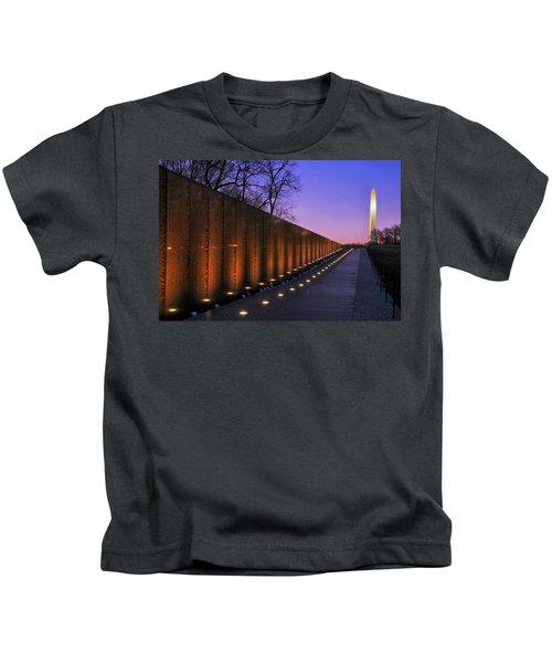 Vietnam Veterans Memorial At Sunset Kids T-Shirt