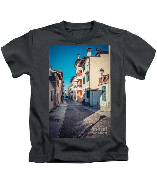 walking through Grado - through the past Kids T-Shirt