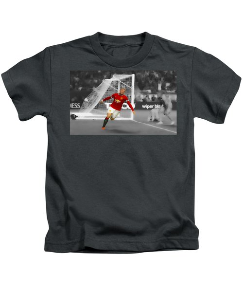 Wayne Rooney Scores Again Kids T-Shirt by Brian Reaves
