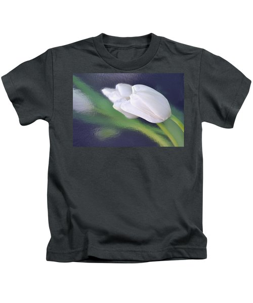 White Tulip Reflected In Dark Blue Water Kids T-Shirt
