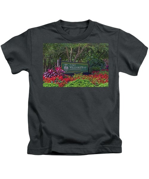 William And Mary Welcome Sign Kids T-Shirt
