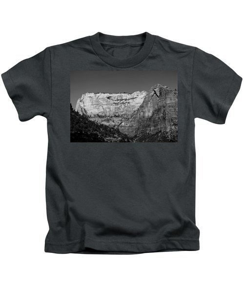 Zion Cliff And Arch B W Kids T-Shirt