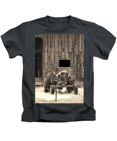 Tractor And The Barn Kids T-Shirt