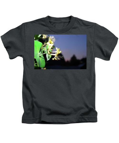 Evening Sonata. Perfoliata Kids T-Shirt