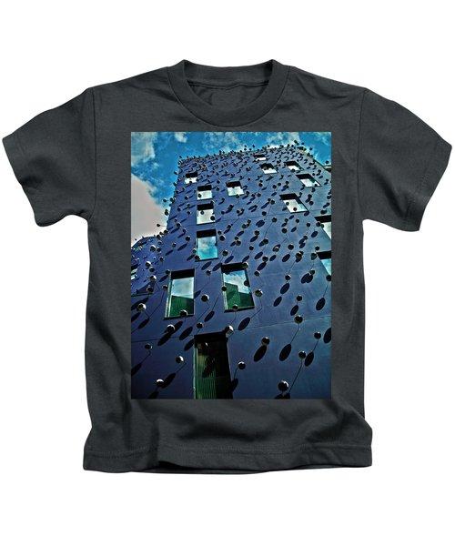 Fachada Con Los Ojos ... Kids T-Shirt
