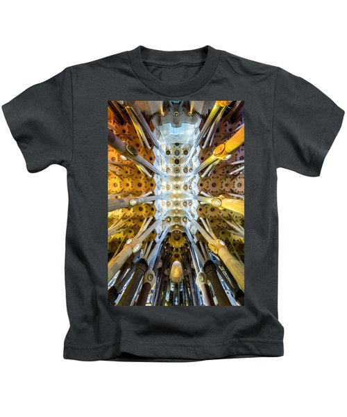 Basilica De La Sagrada Familia Kids T-Shirt