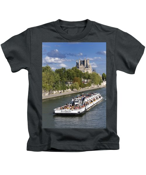 Sightseeing Boat On River Seine To Louvre Museum. Paris Kids T-Shirt