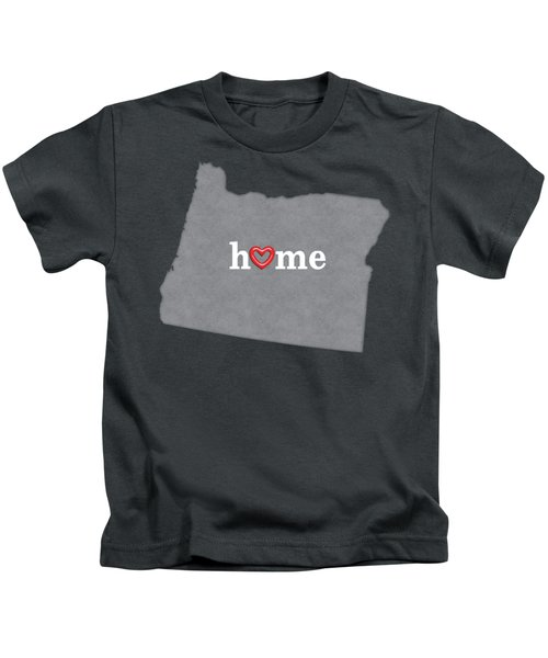 State Map Outline Oregon With Heart In Home Kids T-Shirt by Elaine Plesser